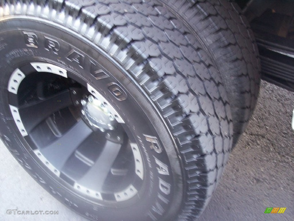 2003 Silverado 3500 LT Extended Cab 4x4 Dually - Summit White / Dark Charcoal photo #52