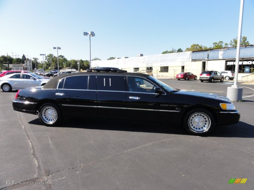 Black Clearcoat 2001 Lincoln Town Car Executive Limousine Exterior