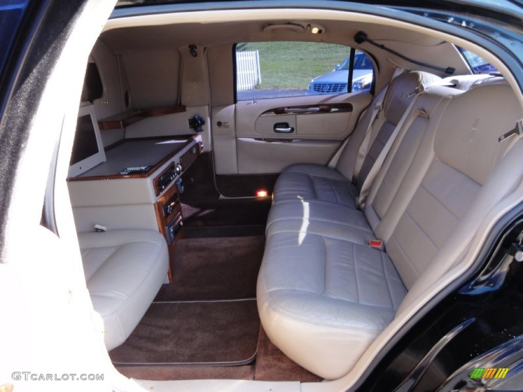 lincoln town car interior photo gtcarlotcom pictures. Black Bedroom Furniture Sets. Home Design Ideas