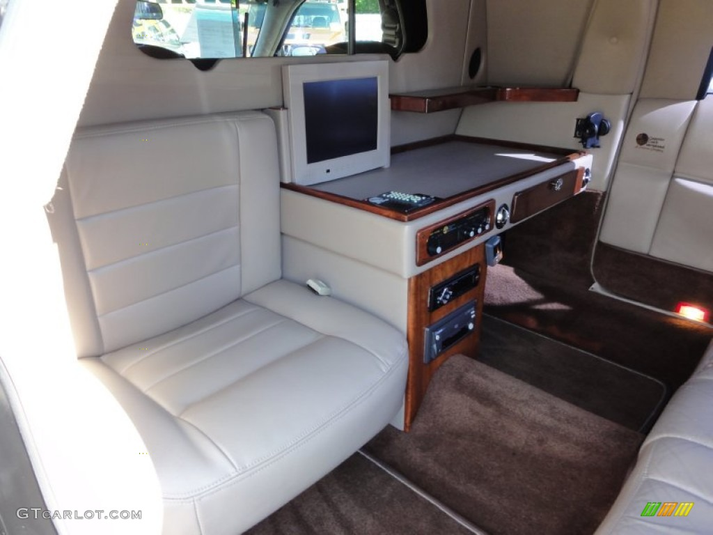 2001 lincoln town car executive limousine interior photos. Black Bedroom Furniture Sets. Home Design Ideas