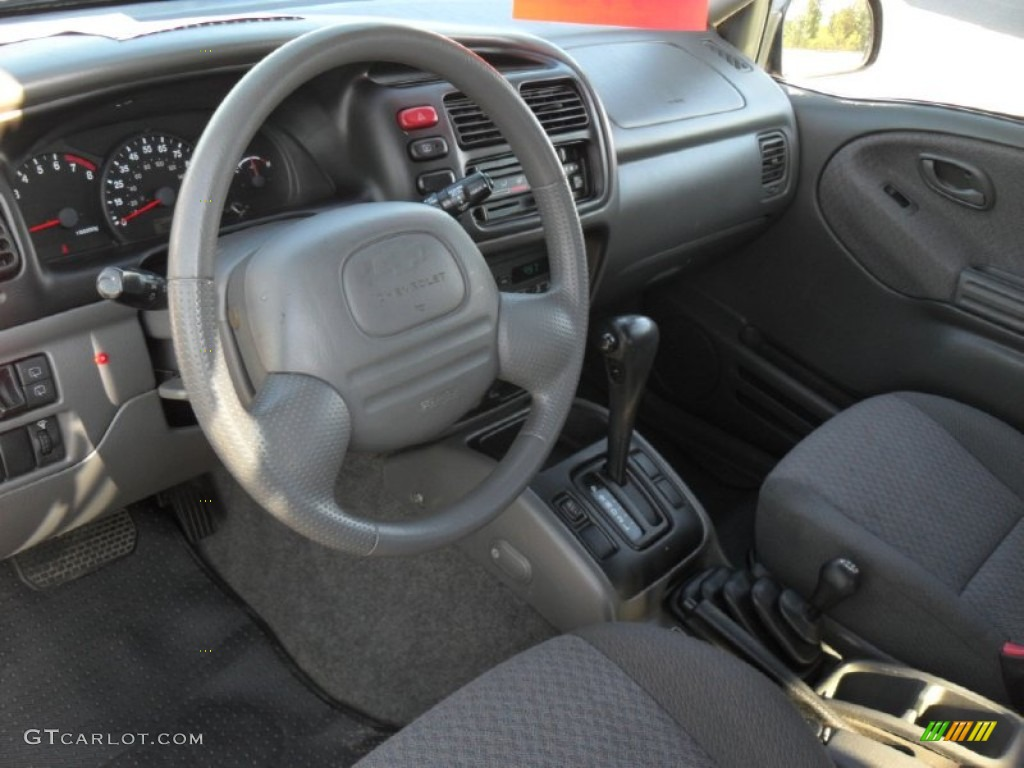 Medium Gray Interior 2000 Chevrolet Tracker 4WD Hard Top Photo