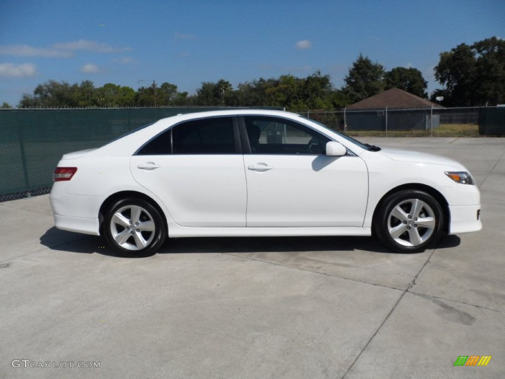 Super white 2011 toyota camry se exterior photo 55056453 magnetic gray metallic