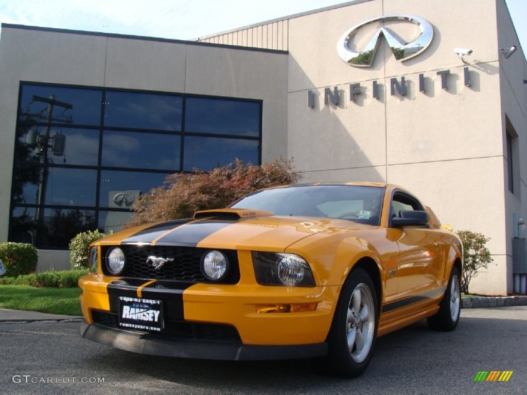 2007 Mustang GT Deluxe Coupe - Grabber Orange / Dark Charcoal photo #1