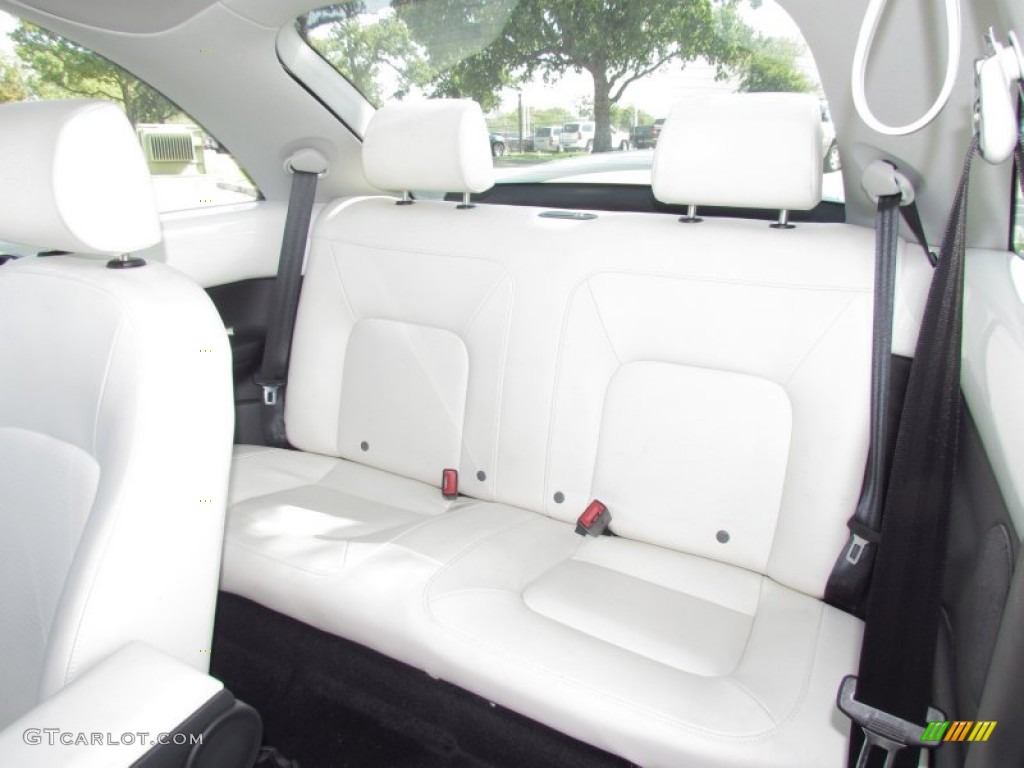 2008 Volkswagen New Beetle Triple White Coupe Interior Photos