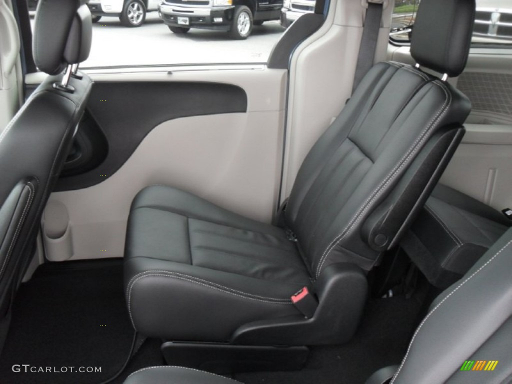 2012 chrysler town country touring l interior photo 55215871. Black Bedroom Furniture Sets. Home Design Ideas