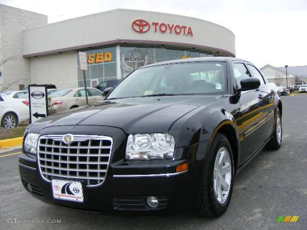 2005 300 Touring - Brilliant Black Crystal Pearl / Dark Slate Gray/Medium Slate Gray photo #1