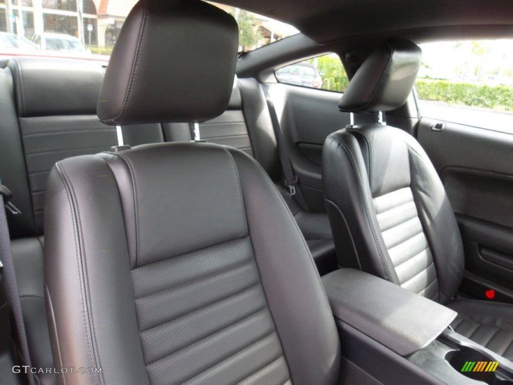 Dark Charcoal Interior 2006 Ford Mustang GT Premium Coupe Photo #55296451