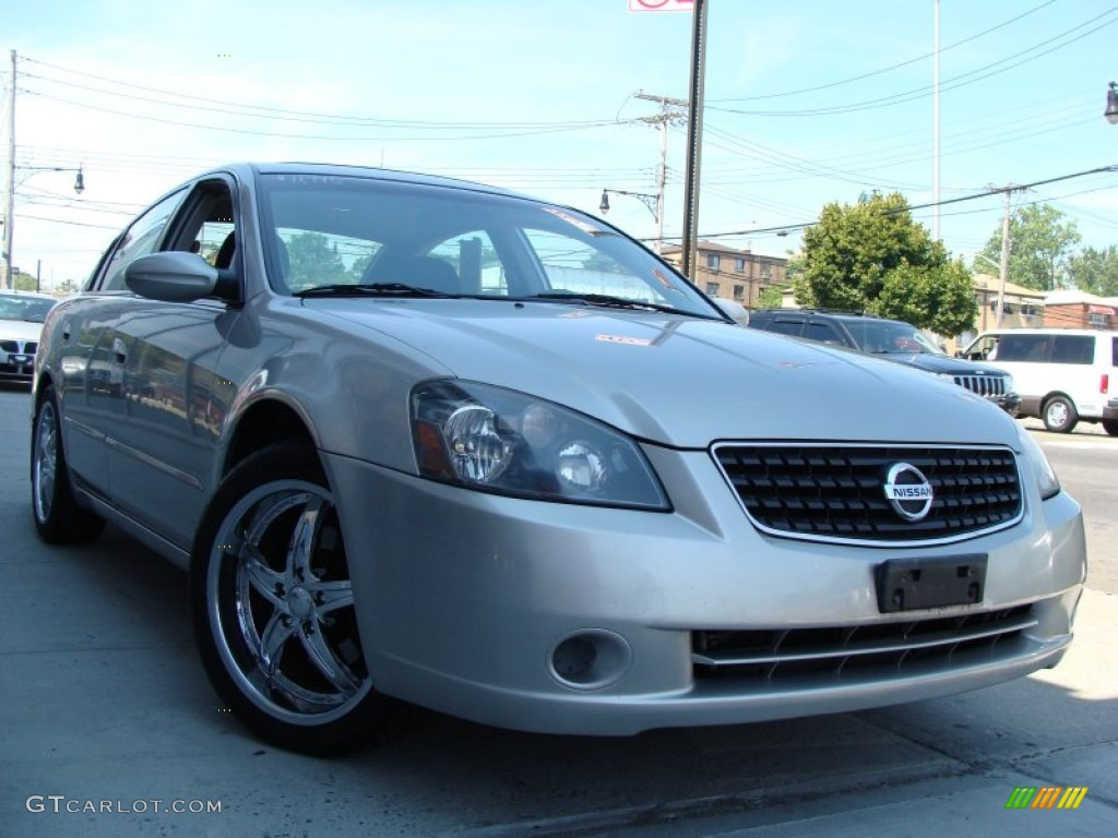 Sheer silver metallic 2005 nissan altima 2 5 s exterior photo 55353416 2005 nissan altima custom interior