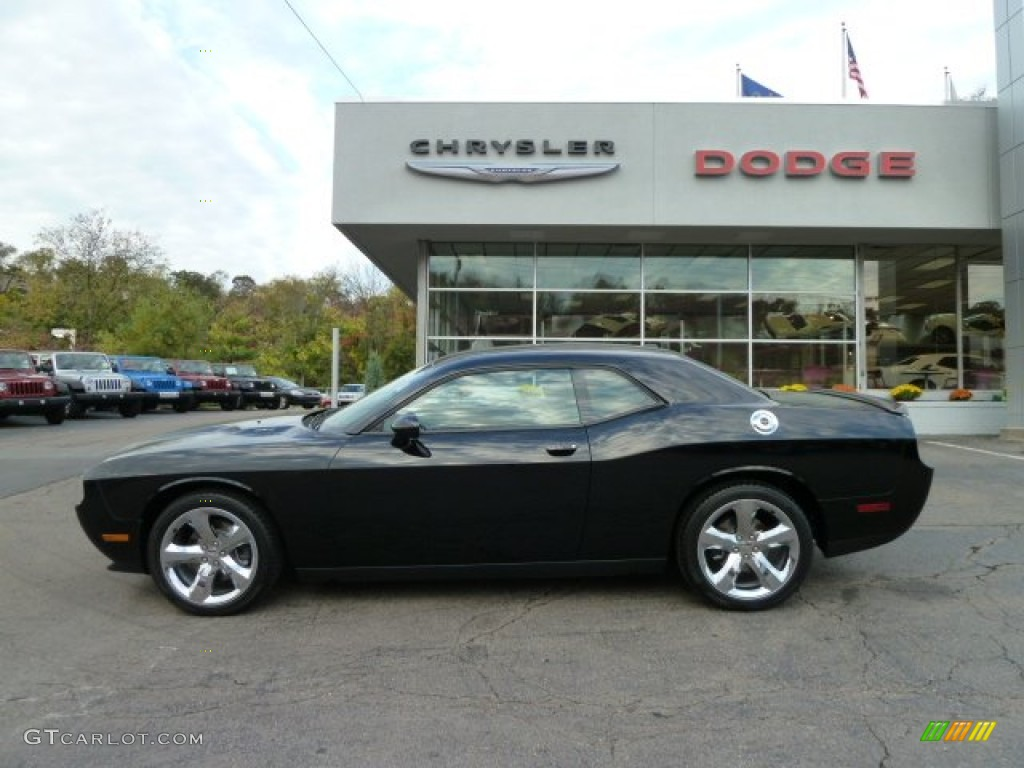 pitch black 2012 dodge challenger r t exterior photo. Black Bedroom Furniture Sets. Home Design Ideas