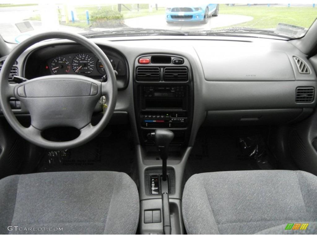 Interior Suzuki Esteem