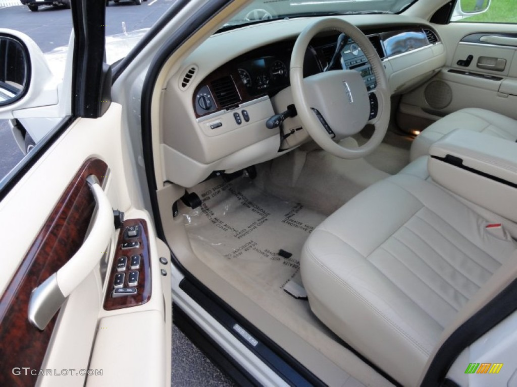 2006 lincoln town car signature interior photo 55565128. Black Bedroom Furniture Sets. Home Design Ideas