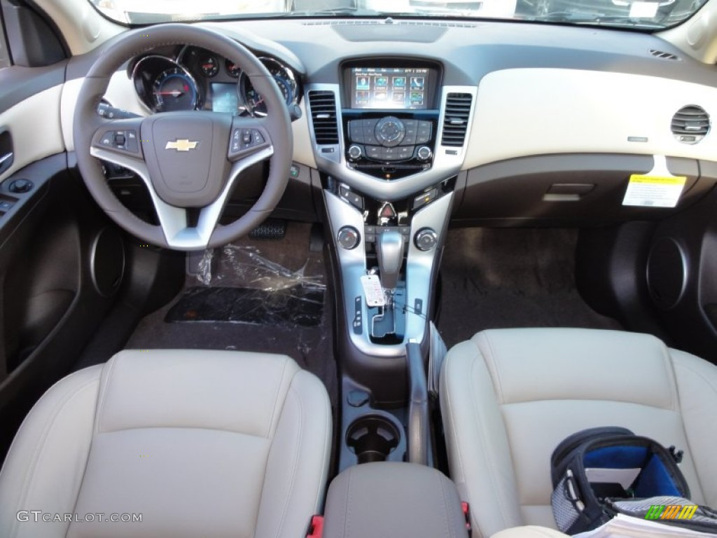 2012 Chevrolet Cruze LTZ Cocoa/Light Neutral Dashboard Photo #55579584