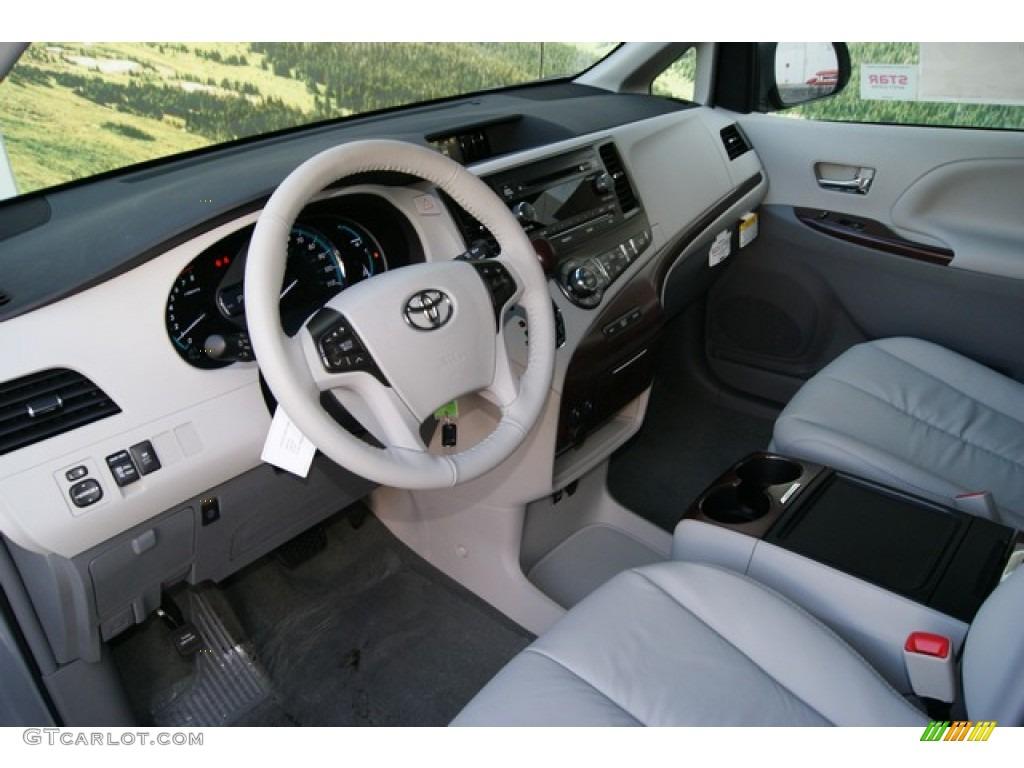 2012 Sienna XLE AWD - Silver Sky Metallic / Light Gray photo #5