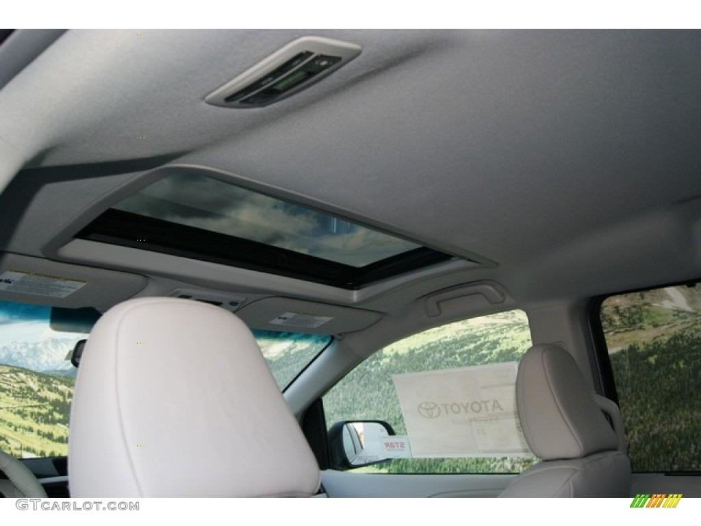 2012 Sienna XLE AWD - Silver Sky Metallic / Light Gray photo #12