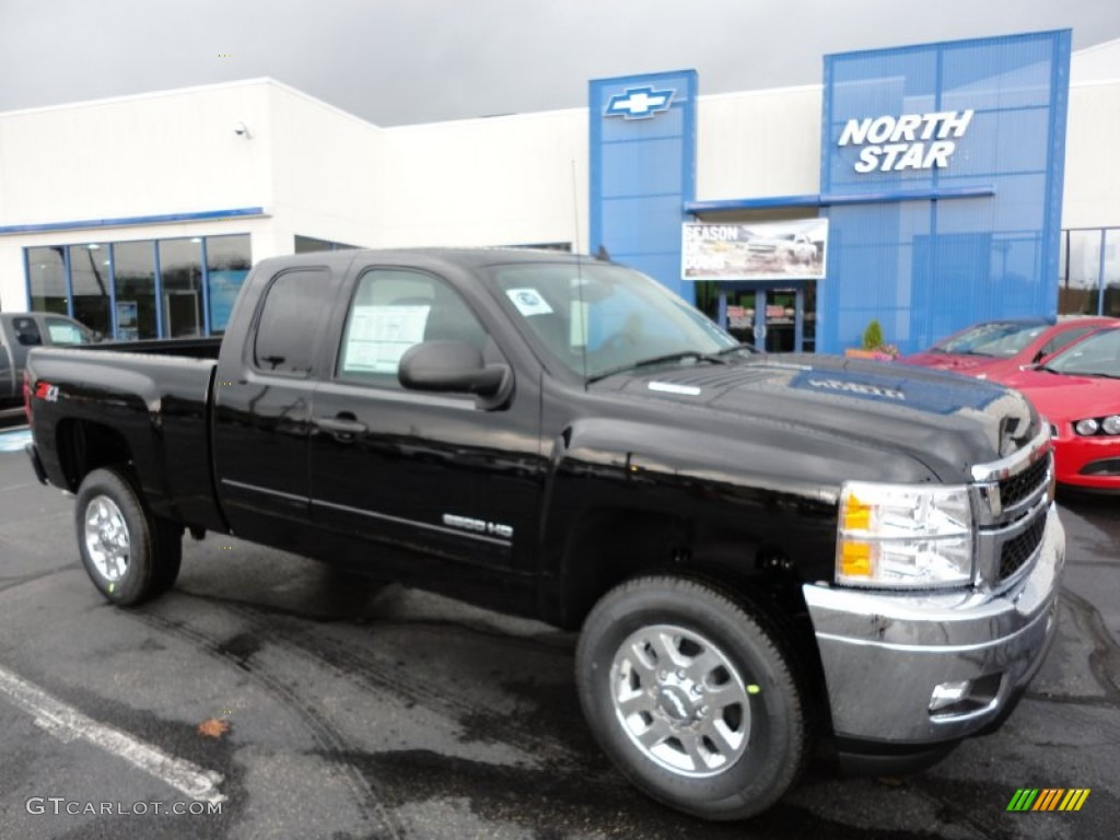 Black chevrolet silverado 2500hd