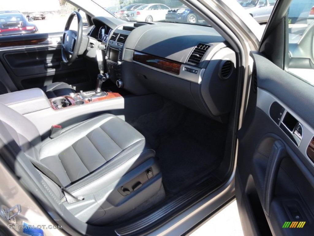 Anthracite Interior 2004 Volkswagen Touareg V8 Photo 55692064