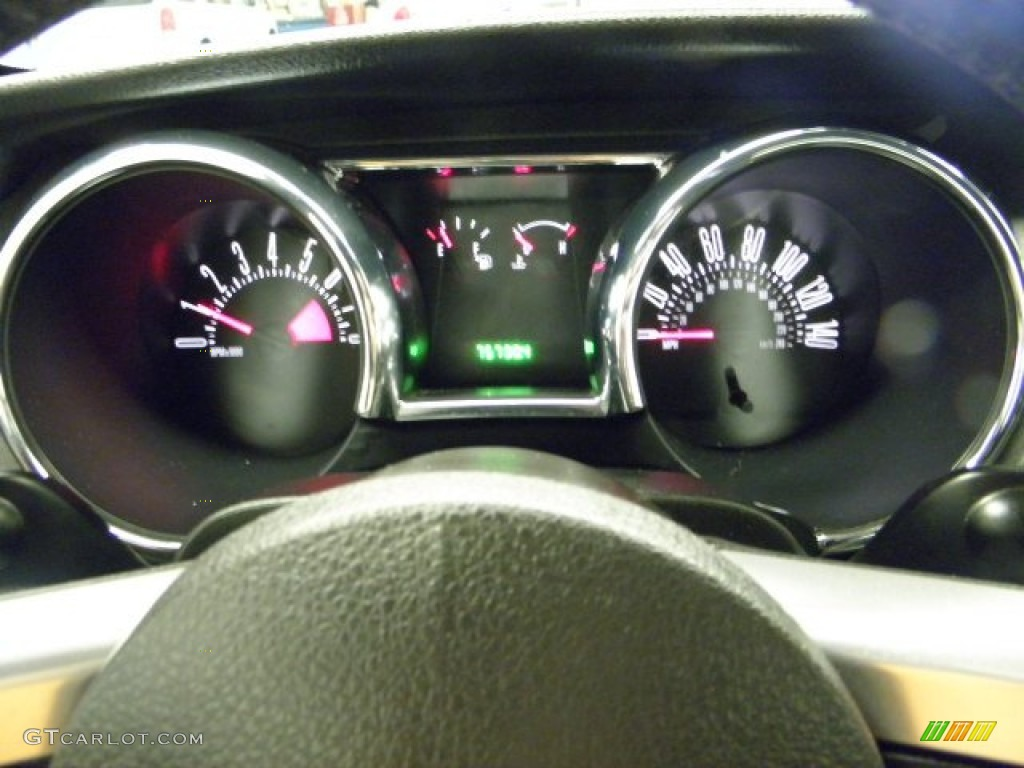 2006 Ford Mustang GT Premium Coupe Gauges Photo #55833416
