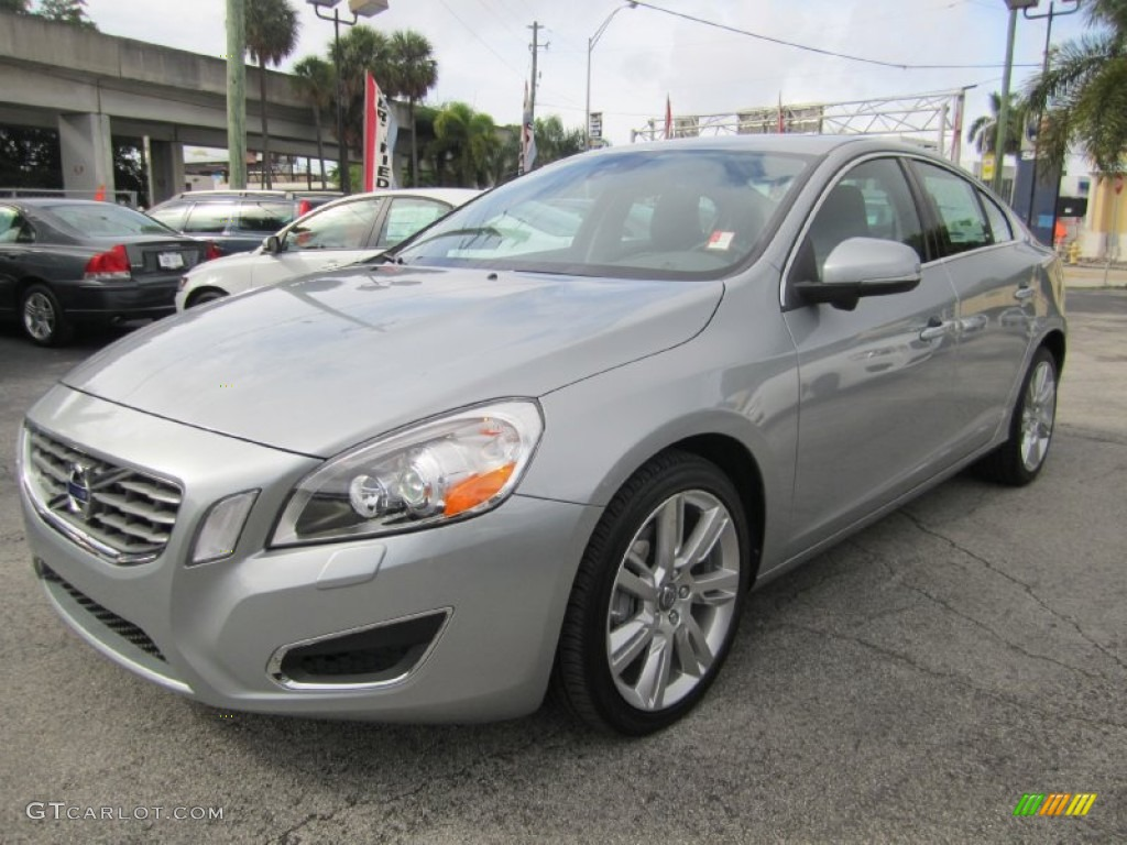 2011 electric silver metallic volvo s60 t6 awd 55779239. Black Bedroom Furniture Sets. Home Design Ideas