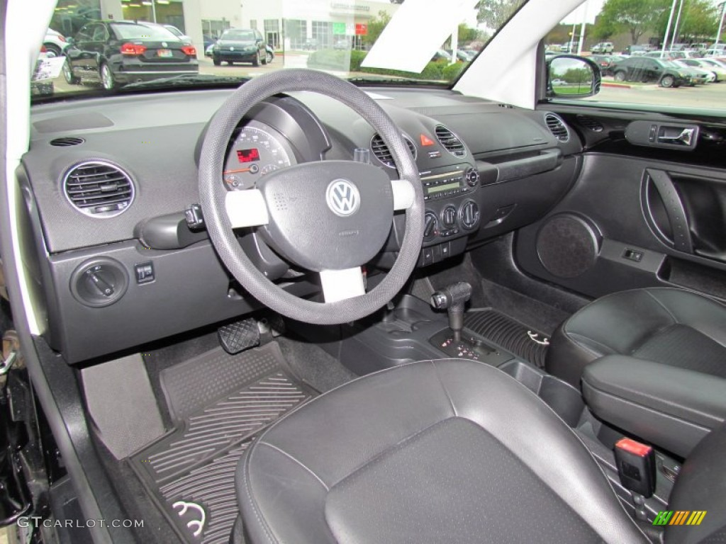 2008 Volkswagen New Beetle S Convertible Dashboard Photos