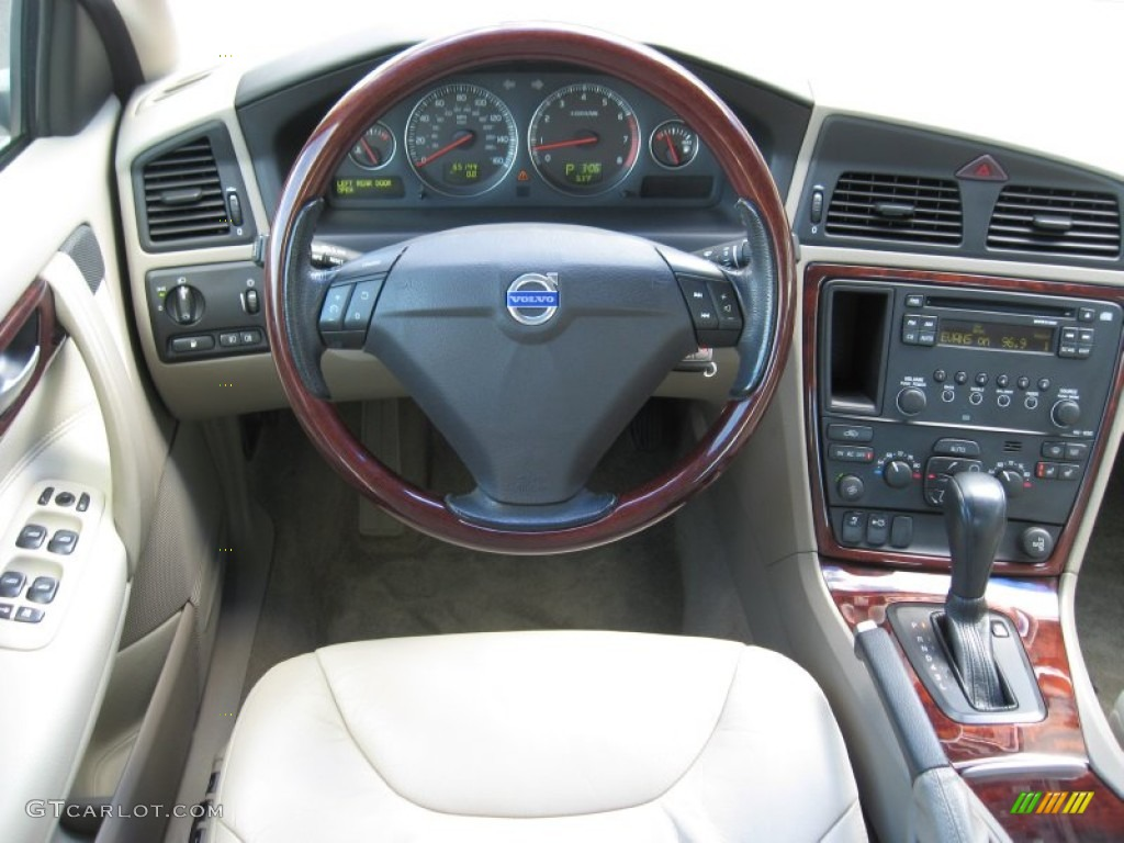 2005 volvo s60 2 5t awd taupe light taupe dashboard photo 55867175. Black Bedroom Furniture Sets. Home Design Ideas