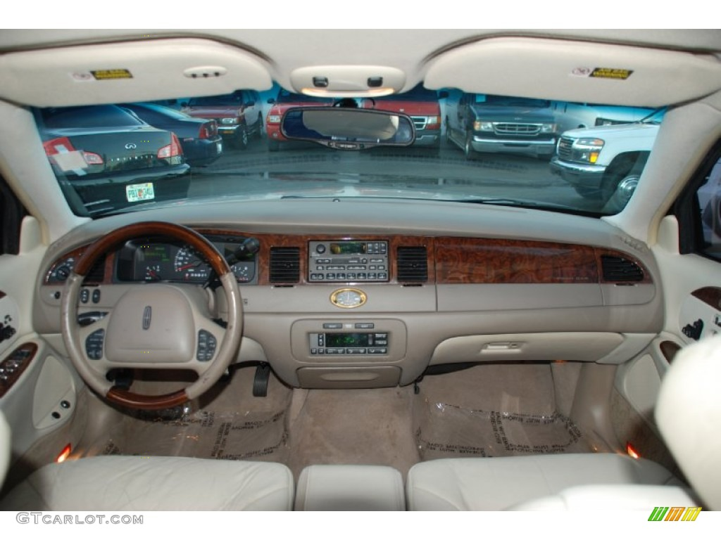 2001 lincoln town car cartier light parchment dashboard photo 55885024. Black Bedroom Furniture Sets. Home Design Ideas