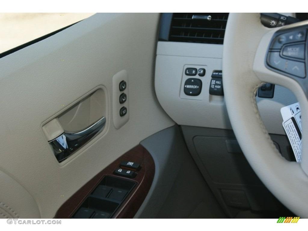 2012 Sienna Limited AWD - Silver Sky Metallic / Light Gray photo #16
