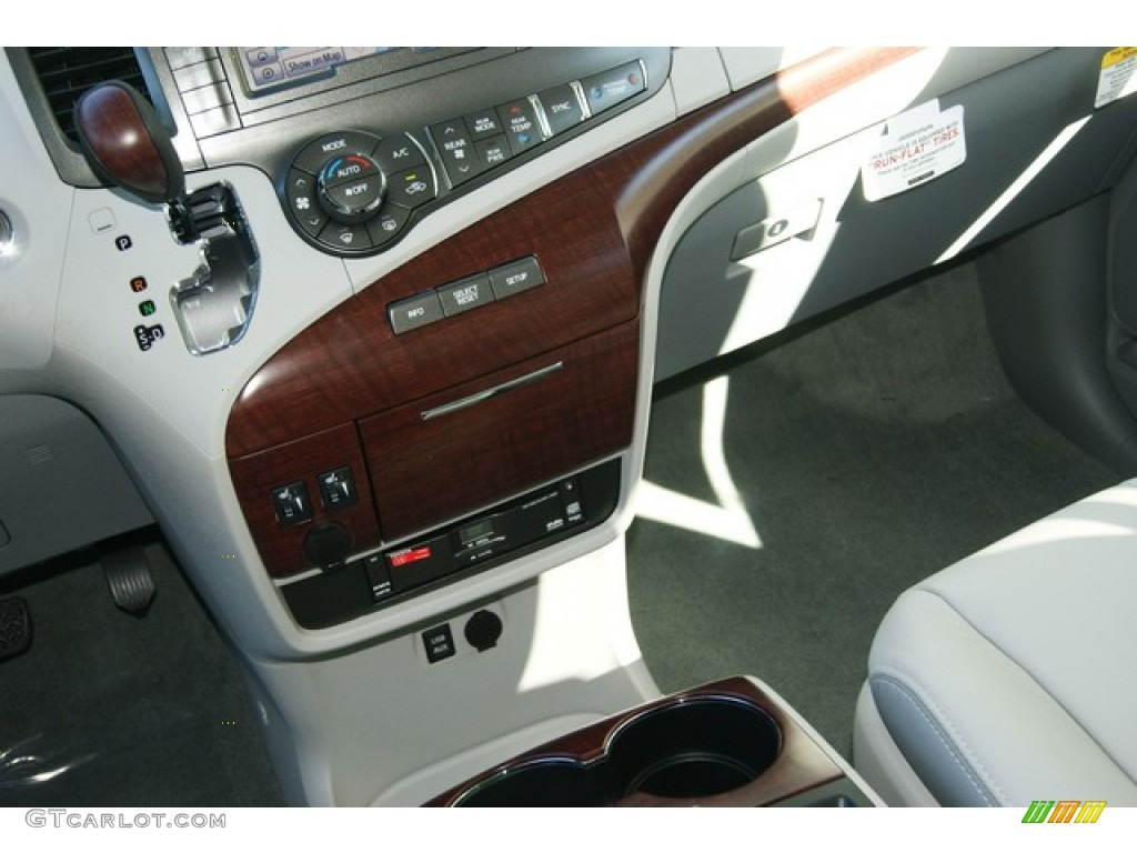 2012 Sienna Limited AWD - Silver Sky Metallic / Light Gray photo #19