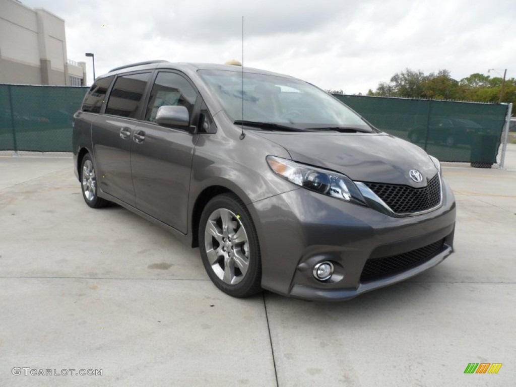 2012 Sienna SE - Predawn Gray Mica / Dark Charcoal photo #1