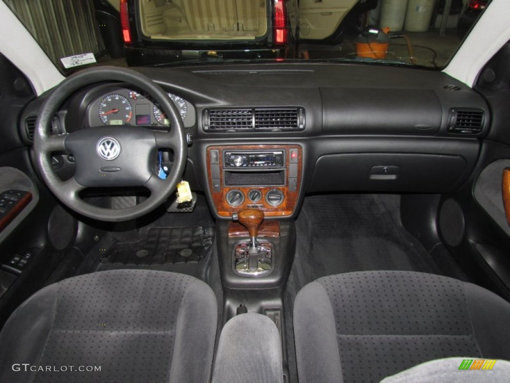 2000 volkswagen passat gls v6 sedan black dashboard photo 56072852 for Volkswagen passat 2000 interior