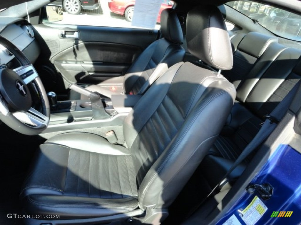 Dark Charcoal Interior 2006 Ford Mustang GT Premium Coupe Photo #56209970