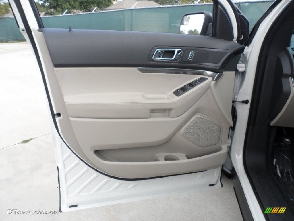 2012 ford explorer fwd medium light stone door panel photo. Black Bedroom Furniture Sets. Home Design Ideas