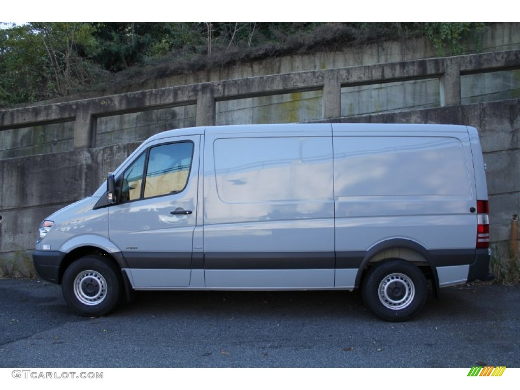 Grey white 2012 mercedes benz sprinter 2500 cargo van for Mercedes benz 2500 cargo van