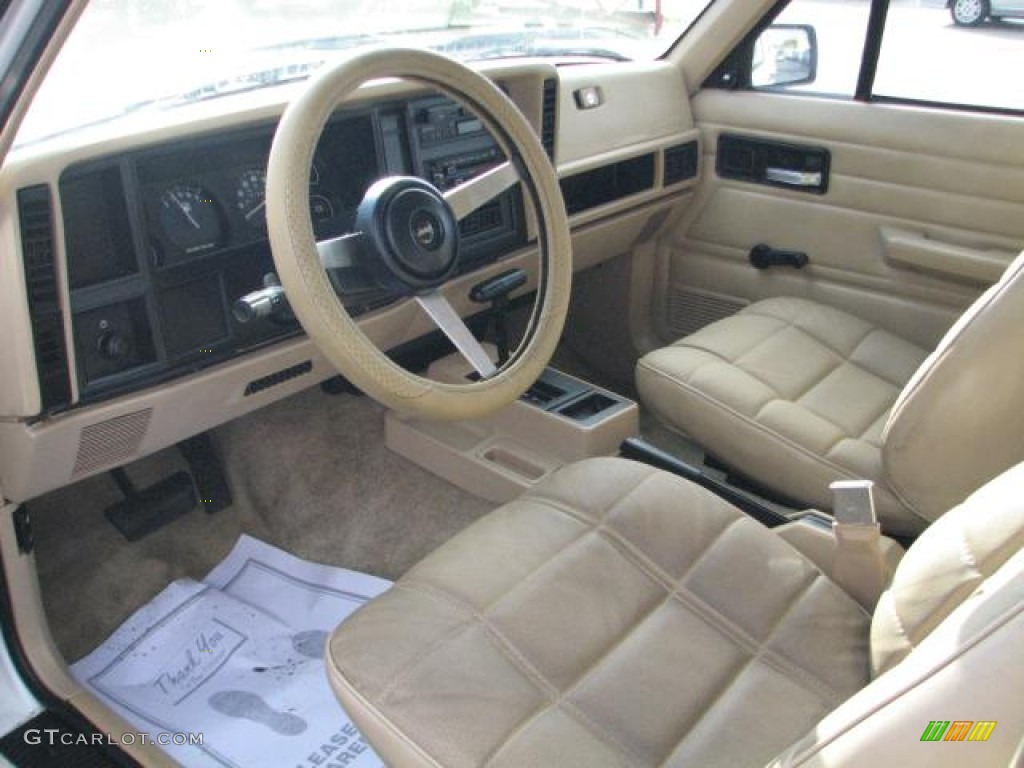 beige interior 1993 jeep cherokee standard cherokee model photo 56361118