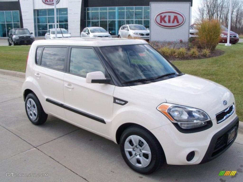 Dune beige 2012 kia soul 1 6 exterior photo 56386651 2012 kia soul exterior colors