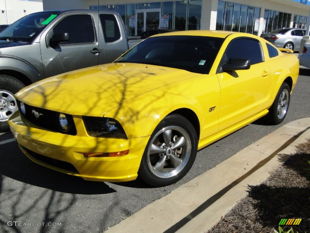 2006 screaming yellow ford mustang gt premium coupe. Black Bedroom Furniture Sets. Home Design Ideas