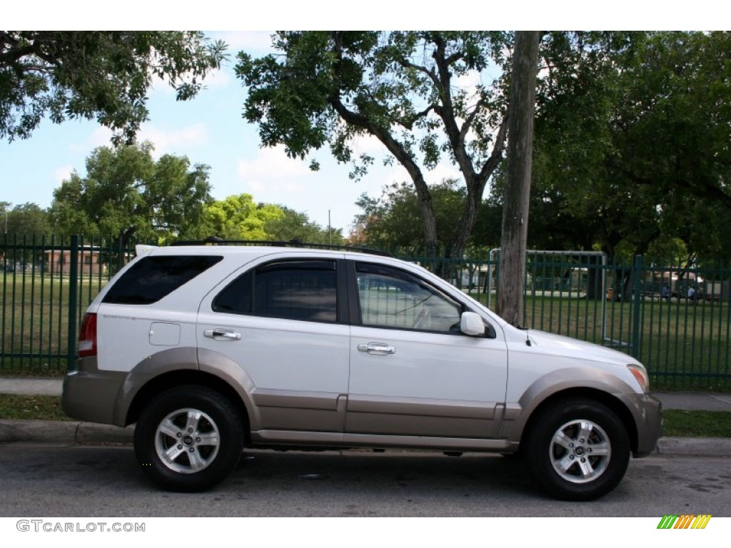 Clear White 2003 Kia Sorento Ex Exterior Photo 56608392