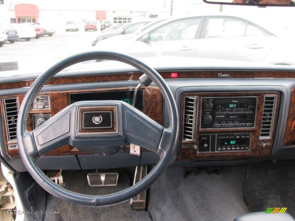 1992 White Cadillac Brougham Sedan #56610854 Photo #11