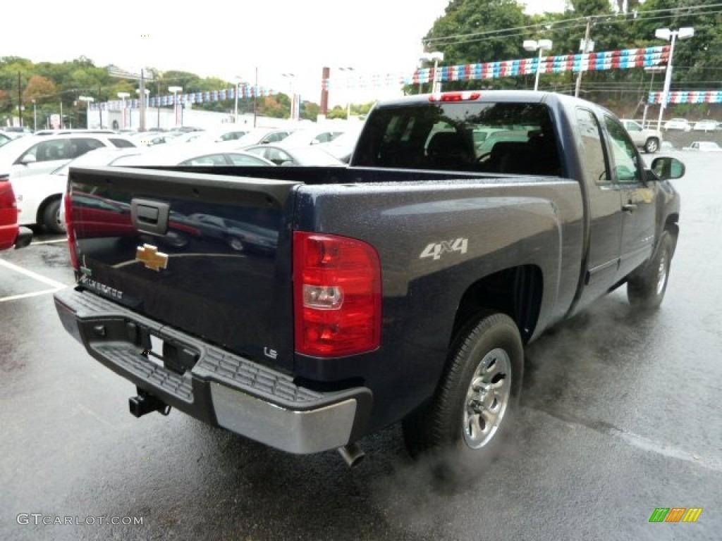 2011 Silverado 1500 LS Extended Cab 4x4 - Imperial Blue Metallic / Dark Titanium photo #4