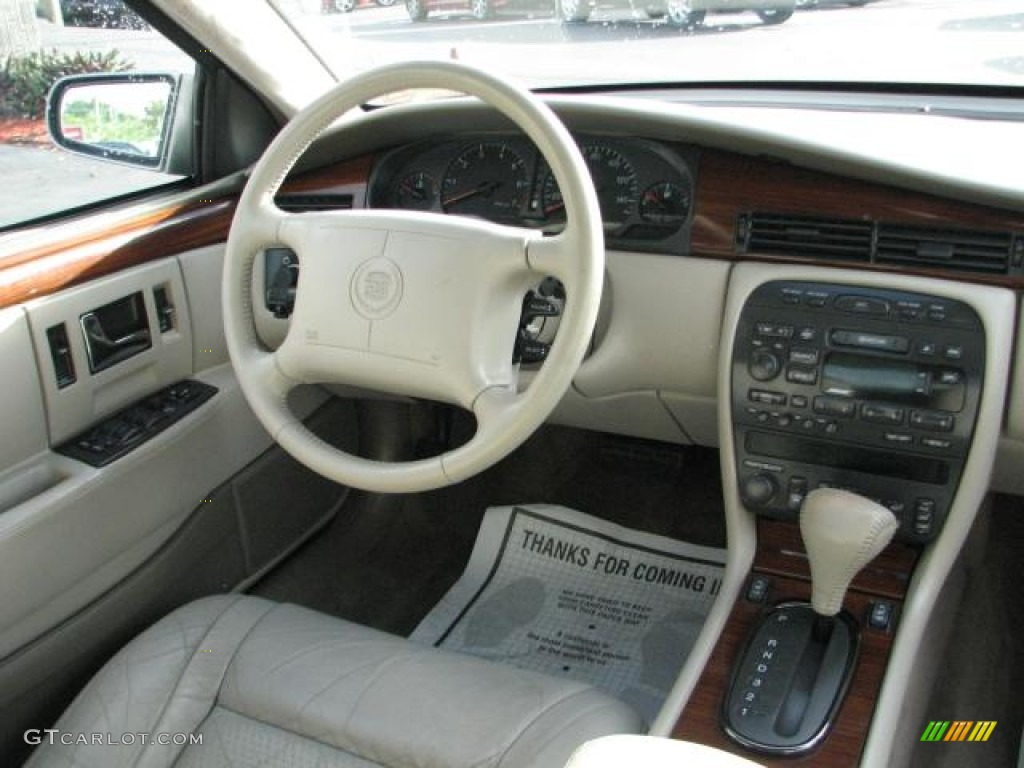 1997 Cadillac Seville Sts Neutral Shale Dashboard Photo