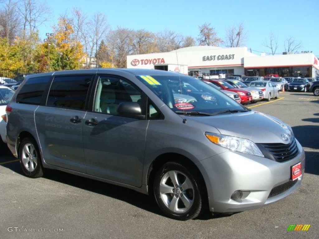 2011 Sienna V6 - Silver Sky Metallic / Light Gray photo #1