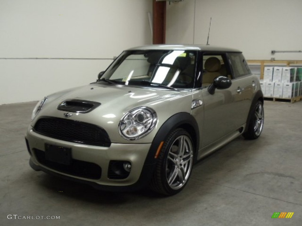 sparkling silver metallic 2007 mini cooper s john cooper works hardtop exterior photo 56714141. Black Bedroom Furniture Sets. Home Design Ideas