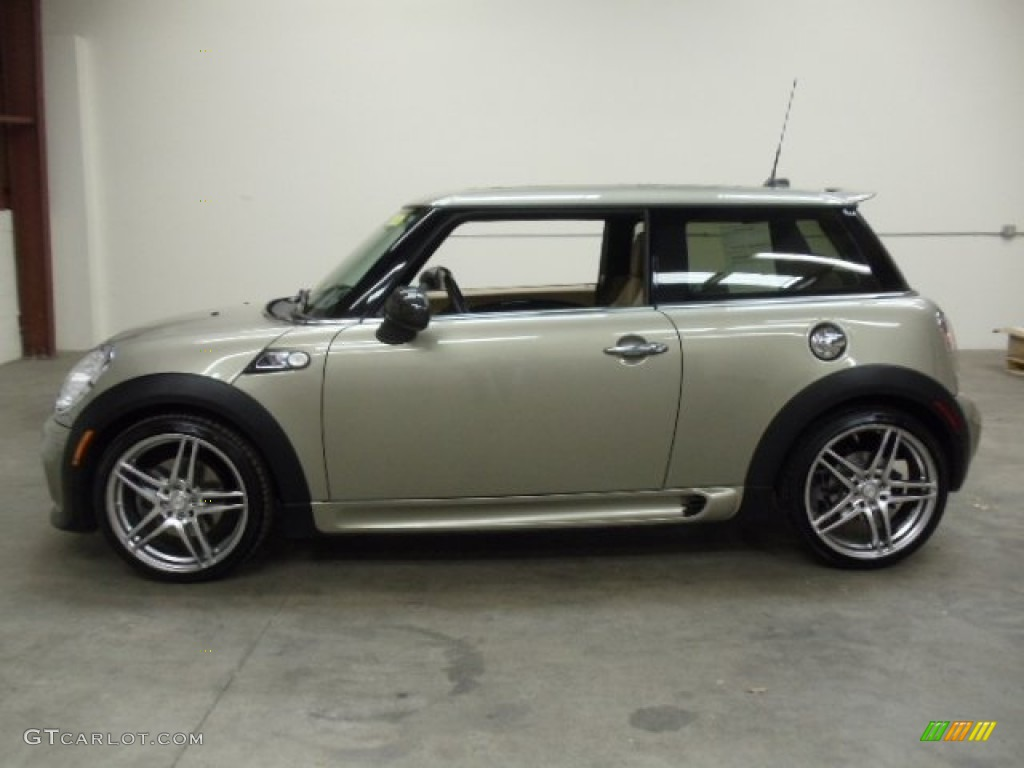 sparkling silver metallic 2007 mini cooper s john cooper works hardtop exterior photo 56714150. Black Bedroom Furniture Sets. Home Design Ideas