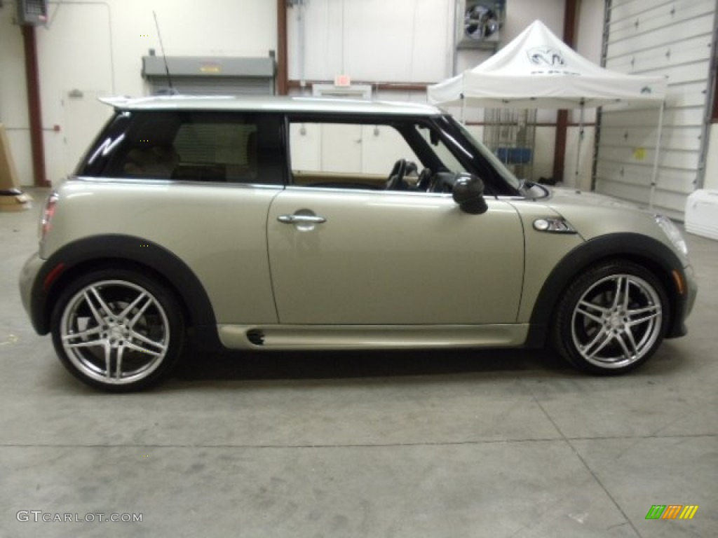 2007 Mini Cooper S John Works Hardtop Custom Wheels Photo 56714186