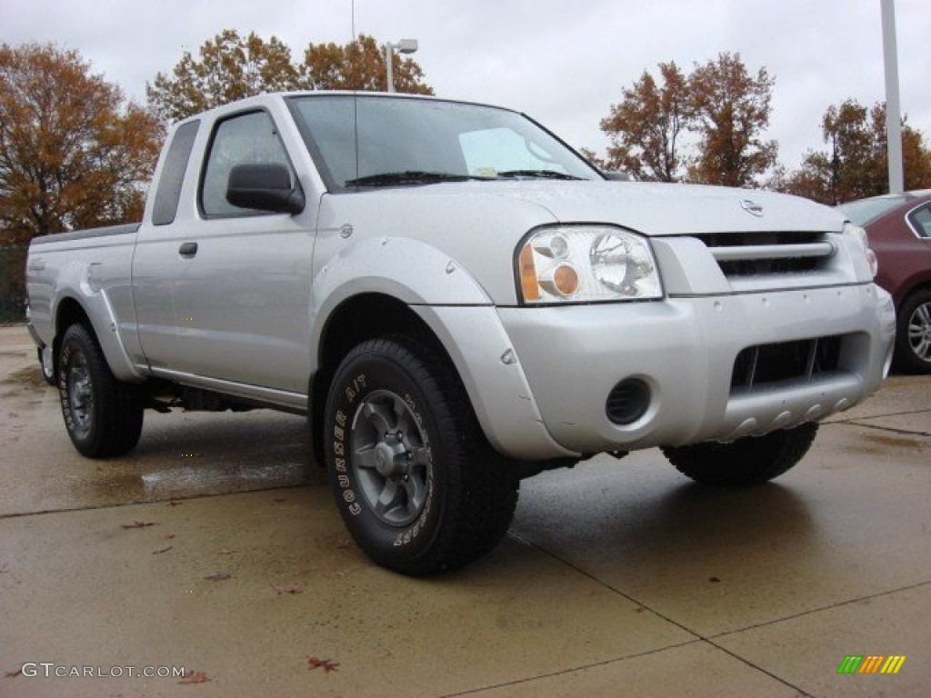 2004 Radiant Silver Metallic Nissan Frontier Xe King Cab
