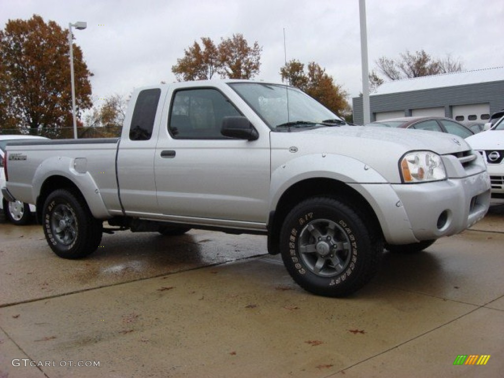 Radiant Silver Metallic 2004 Nissan Frontier Xe King Cab