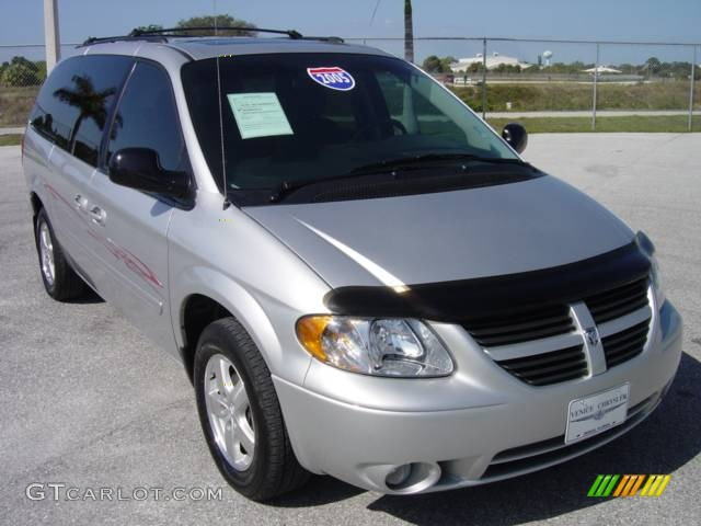 2005 bright silver metallic dodge grand caravan sxt. Black Bedroom Furniture Sets. Home Design Ideas