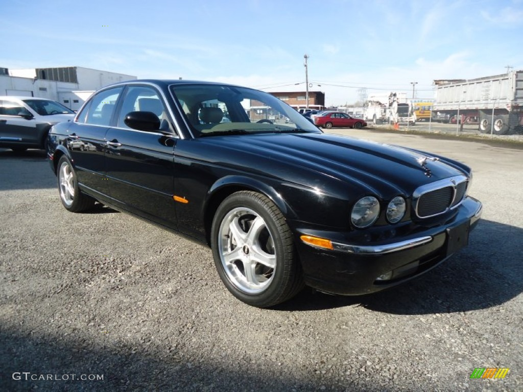 Ebony black 2004 jaguar xj xj8 exterior photo 56986049 for Jaguar xj exterior