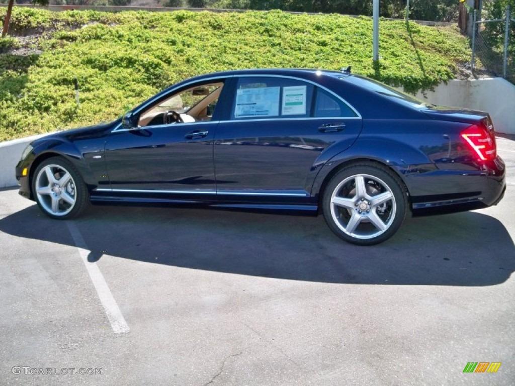 2012 lunar blue metallic mercedes benz s 550 sedan for Mercedes benz lunar blue