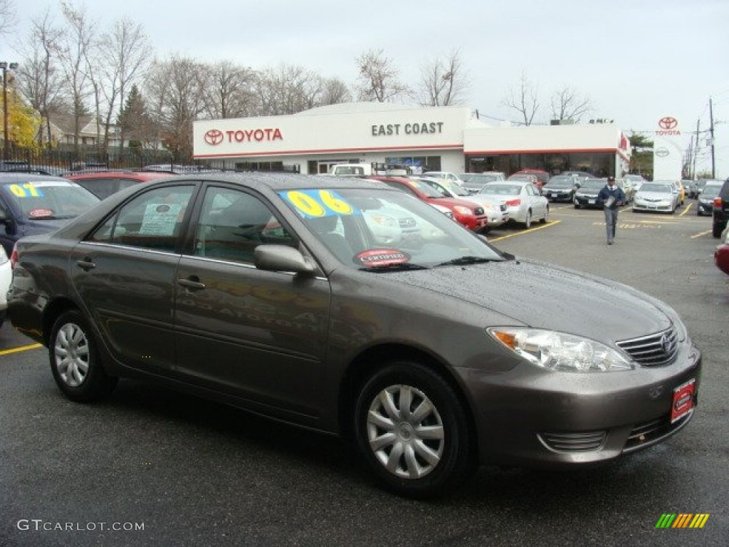 2006 phantom gray pearl toyota camry le 57034168 car color galleries. Black Bedroom Furniture Sets. Home Design Ideas