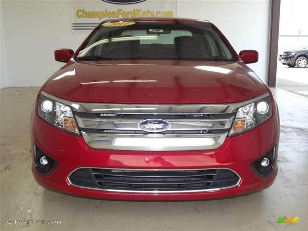 2011 Fusion SE - Red Candy Metallic / Charcoal Black photo #2
